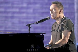 Bruce Springsteen macht am Broadway Furore. Foto: Michael Zorn/Invision/AP